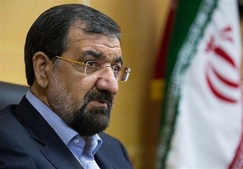 محسن رضایی: به مردم بگویید چرا و چگونه قیمت دلار بالا و پایین میشود