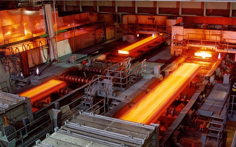تولید ۴۰ درصدی فولاد فقط با ۲ هزارمگاوات ساعت برق
